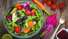 Insalata spinaci bielole, verdure a foglie verdi contro ictus e infarto.